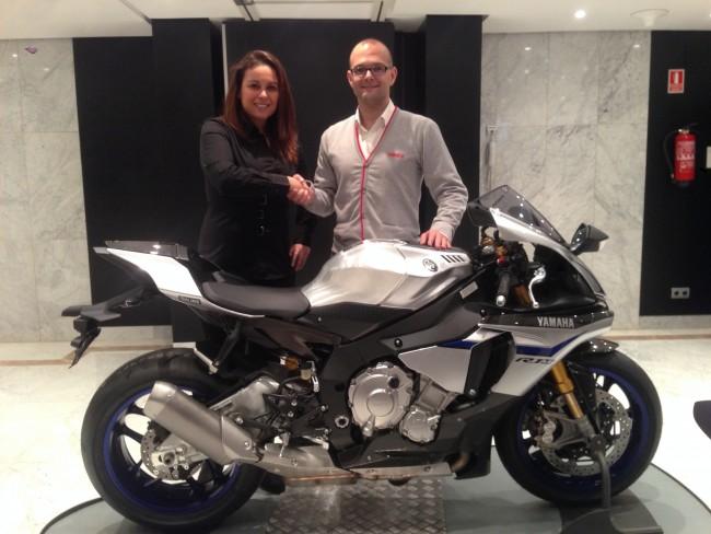 Team Stratos y Yamaha se unen para luchar por el título FIMCEV Repsol Superbike 2015
