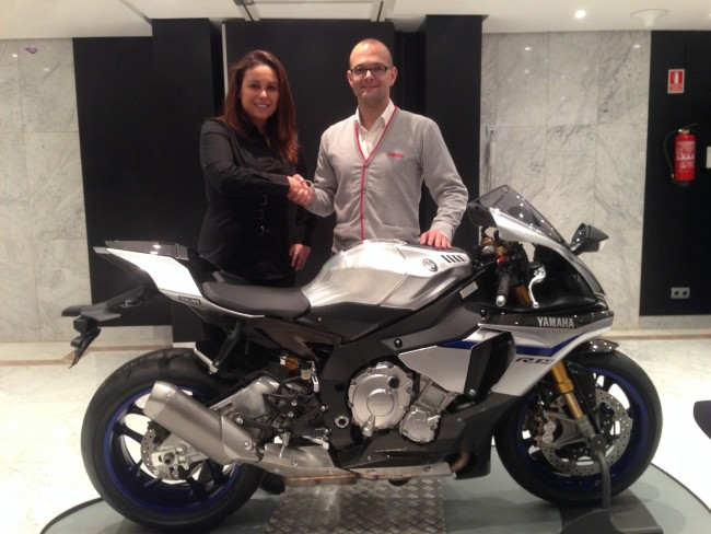 Team Stratos and Yamaha join forces to fight for the title FIMCEV Repsol Superbike 2015