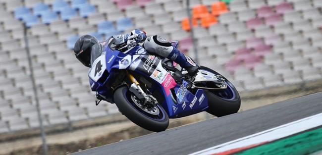 Debut satisfactorio para la Yamaha R1M de la mano de Pietri y Stratos