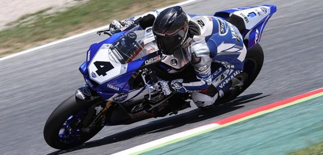 Robertino Pietri y Stratos llevan la Yamaha R1M a la primera fila