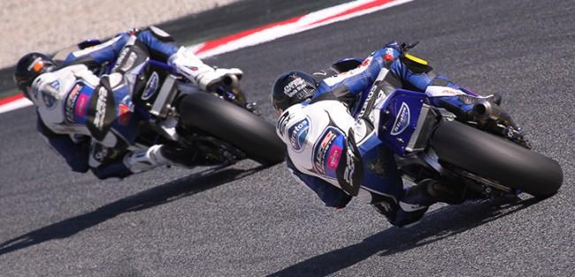 El Team Stratos y sus pilotos trabajan duro en Moto2