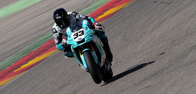 Niko Mäkinen y Leopard Yamaha Stratos logran la primera plaza en SBK Privados