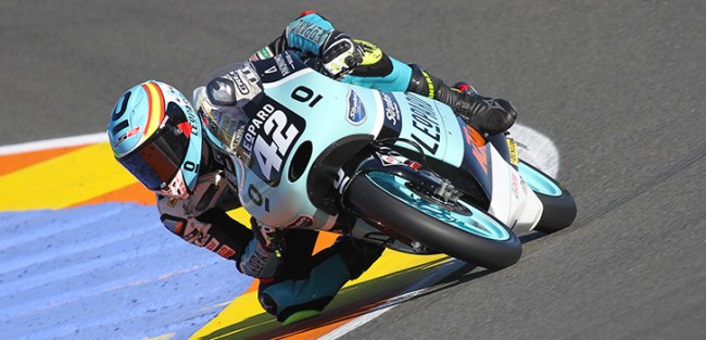 Ramírez y el Leopard Junior Stratos lucharán por el Mundial Junior de Moto3 desde la pole