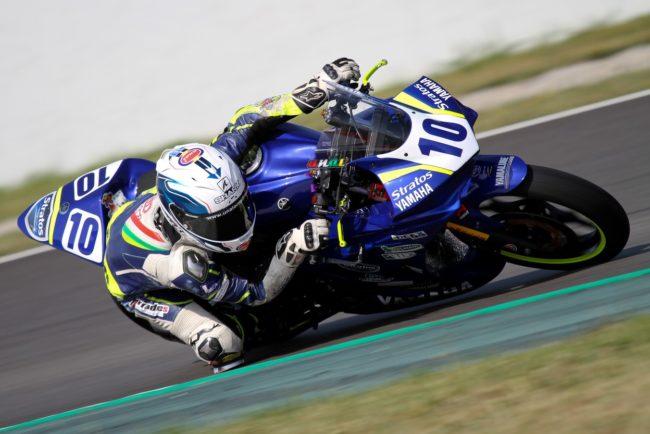 Unai Orradre luchará por el título de la Yamaha R3 bLU cRU Challenge en Jerez acompañado por el wild card Kimi Patova