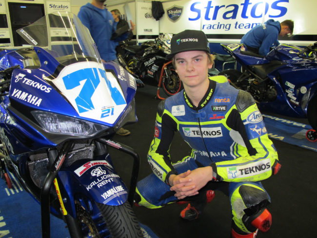 Unai  Orradre  will  fight  for  the  title  of  the  Yamaha  R3  bLU  cRU  Challenge  in  Jerez  accompanied by the wild card Kimi Patova