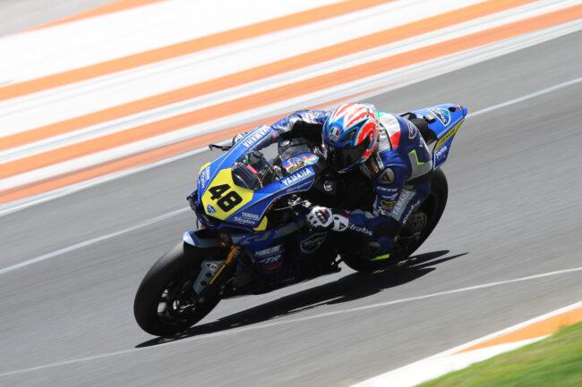 Federico Sandi y el Team Yamaha Stratos consiguen la primera fila en Valencia