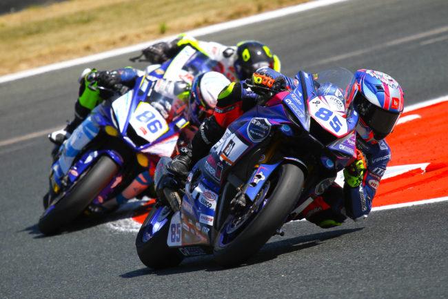 Intenso día de carreras para el Yamaha GV Stratos en Navarra